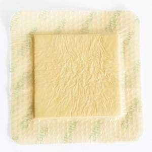 Pansement en mousse de silicone avec planche